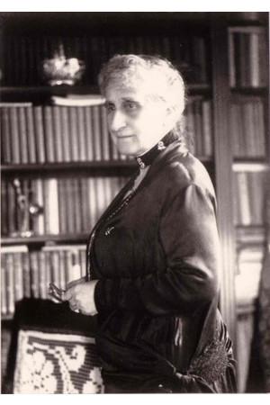 Mme Avril de Sainte-Croix