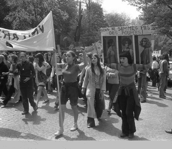 Le MLF à la manif du 1er mai 1971 (Paris). Photo Elie Kagan (fonds MHC-BDIC)
